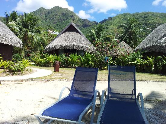 Sofitel Moorea Ia Ora Beach Resort: Bangalô visto da praia