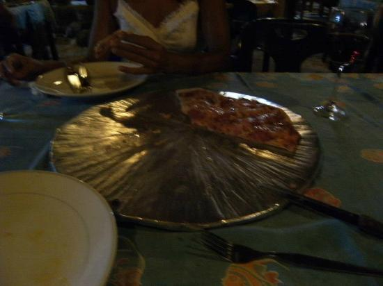 Cucina Italiana: Pizza...must take picture right away next time...too good!