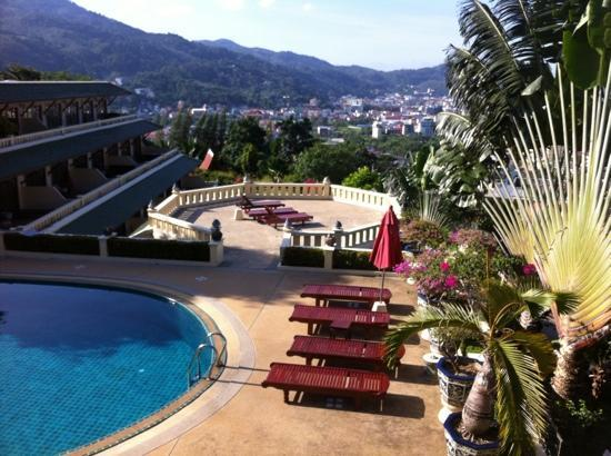 Prince Edouard Apartments & Resort: Pool view