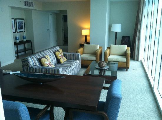 Hilton Fort Lauderdale Beach Resort: Penthouse spacious living room, dining area, & entrance