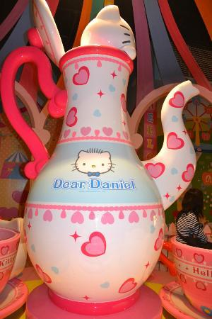 Sanrio Hello Kitty Town : Nice Decoration!