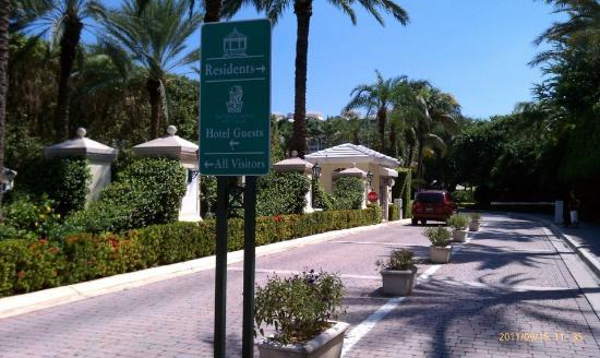 The Ritz-Carlton Key Biscayne, Miami: ENTRANCE GATE