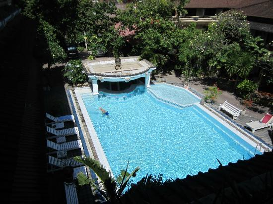 Hotel Prawita: A great view on the pool