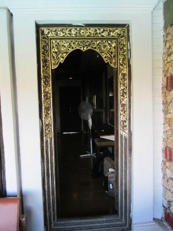 Hotel Prawita: Door
