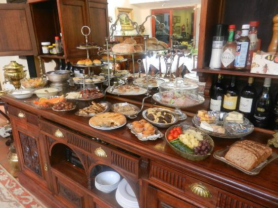The Oasis Boutique Hotel: Hearty and healthy breakfast