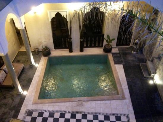 Riad Dar El Masa: patio