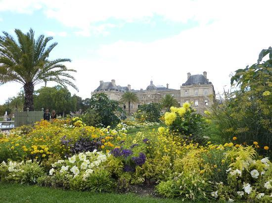 Beautiful flowers picture of luxembourg gardens paris - Jardin du luxembourg hours ...