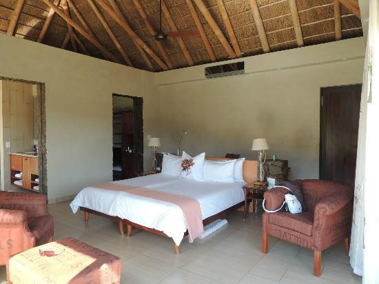 White Lion Lodge: room