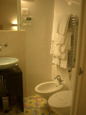 Grand Hotel Angiolieri: The bathroom.