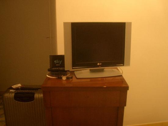 Grand Hotel Angiolieri: The TV set.