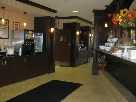 Comfort Suites: Breakfast area