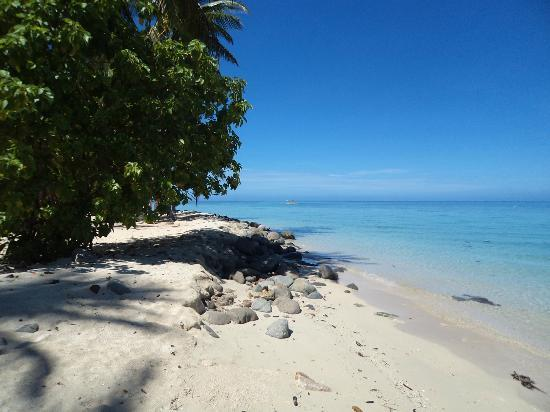 Plantation Island Resort: Blue sky and clear water