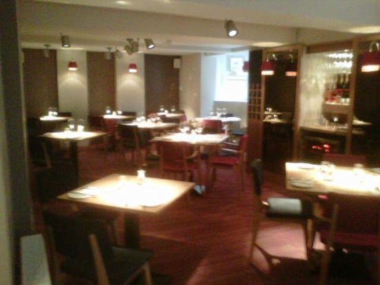 The Square Bar & Restaurant: Inside the restaurant