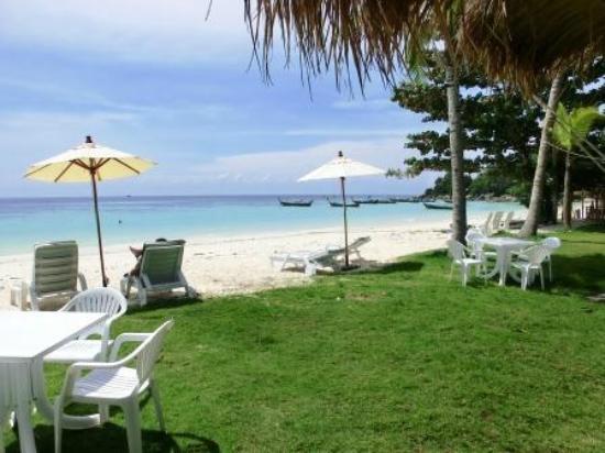 Mali Resort Pattaya Beach Koh Lipe: from our room