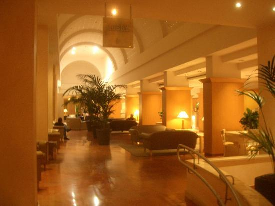 Hilton Rome Airport Hotel: The lobby.