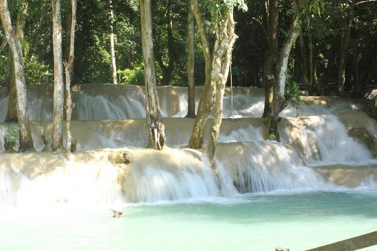 Lao Spirit Resort: Beautiful falls after the trek