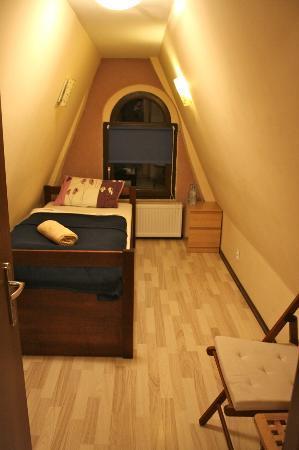 Friends Hostel: Private room on top floor