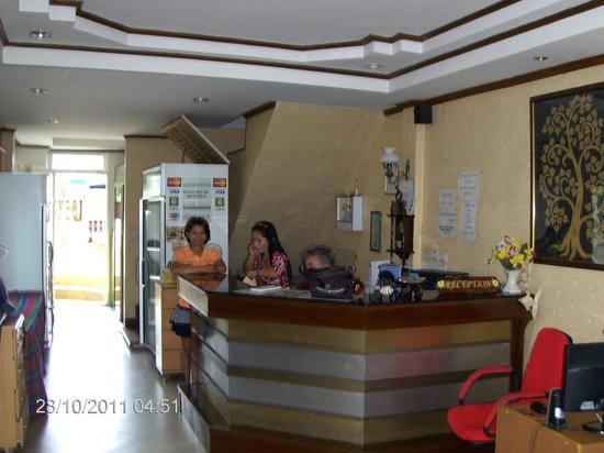 Hua Hin White Villa Hotel: Reception - very helpfull