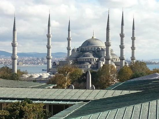 Sultanahmet Park Hotel: This view is from room 502~
