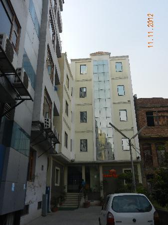 Hotel Sarovar Regency : Entrance area