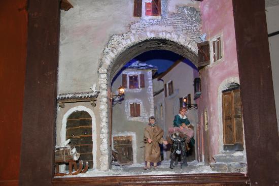 I Presepi di Claudio Ladurini all' Hotel Rivoli