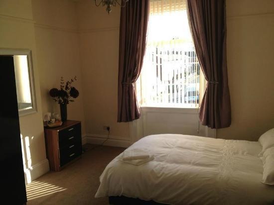 The Albany Hotel: Bedroom