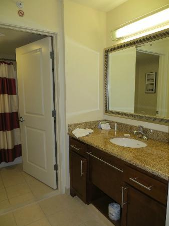 Residence Inn by Marriott Miami Airport: Vanity Area