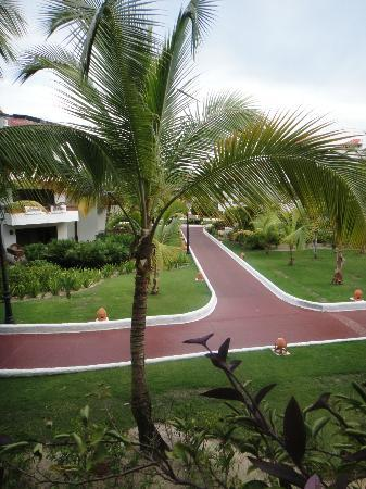 Occidental Grand Punta Cana: Resort Boardwalks