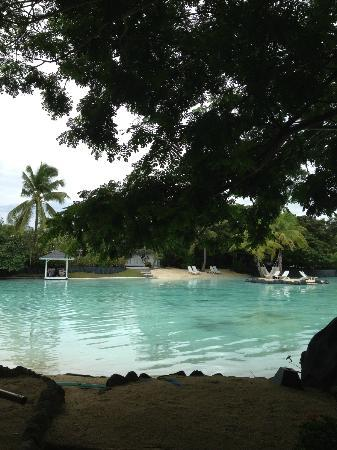 Plantation Bay Resort And Spa: lots of pools with free access to all