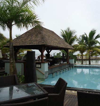 InterContinental Mauritius Resort Balaclava Fort: Bar at pool area