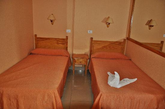 Hotel Tenerife Ving: Dormitorio