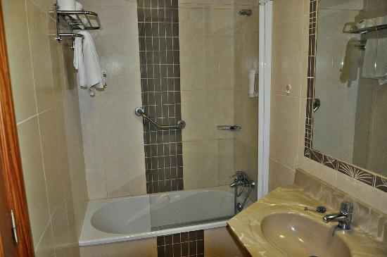 Hotel Tenerife Ving: Cuarto de baño