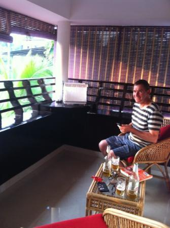 Bella Homestay: Relaxing with a beer on the balcony