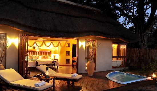 Imbali Safari Lodge: Romantic Evenings Private Plunge Pool