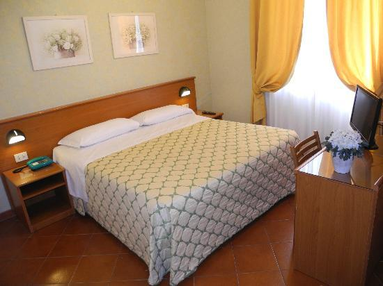 Corona Hotel : Double Room