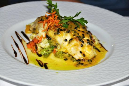 Le Duc de Praslin: grilled red snapper with passion fruit sauce