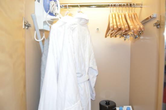 The Westin Sydney: bathrobes