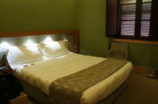 UNA Hotel Napoli: Room