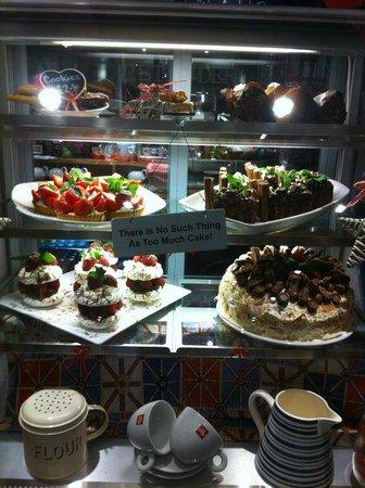 Toby Carvery Kings Langley: Cake Display