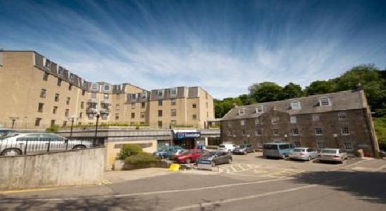 Britannia Edinburgh Hotel: Car Park