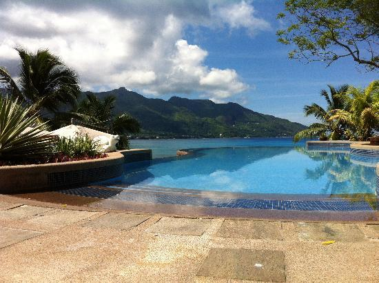 Hilton Seychelles Northolme Resort & Spa: view from the pool