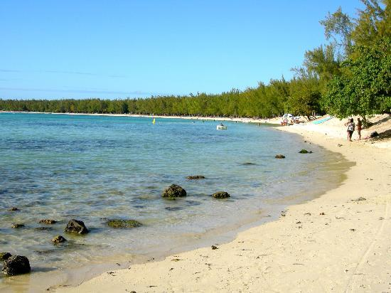 Mont Choisy public beach