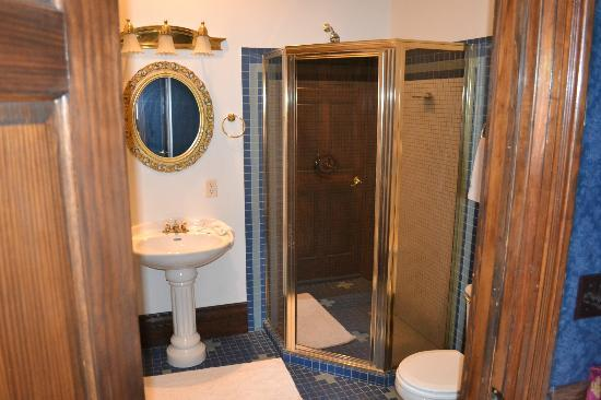 Stampmill Inn: Hearst Bathroom