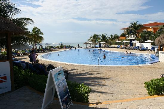 Ocean Maya Royale: The quiet pool,so relaxing