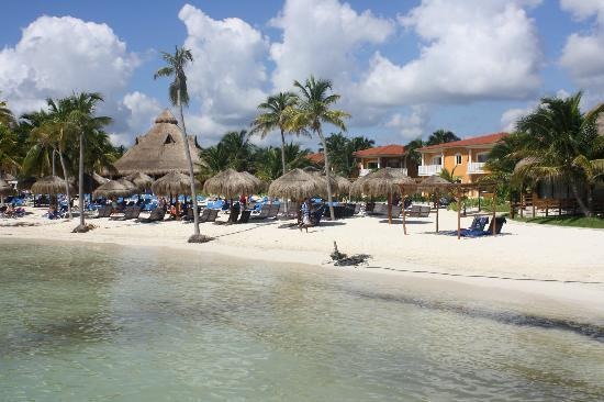 Ocean Maya Royale : A view from the jetty