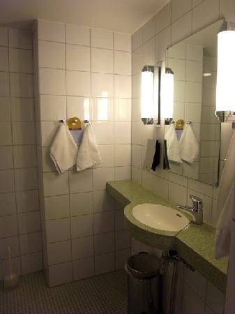 Original Sokos Hotel Vaakuna: 客室水回り