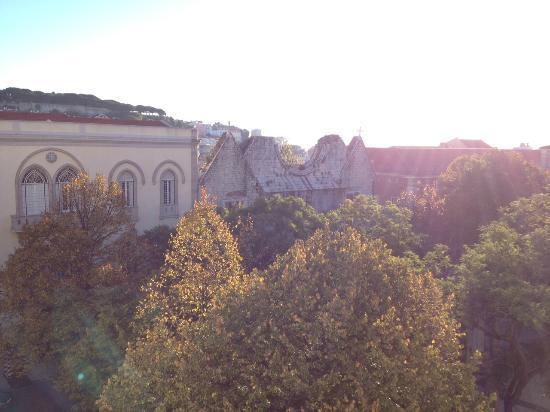 Lisboa Carmo Hotel: View from the balcony