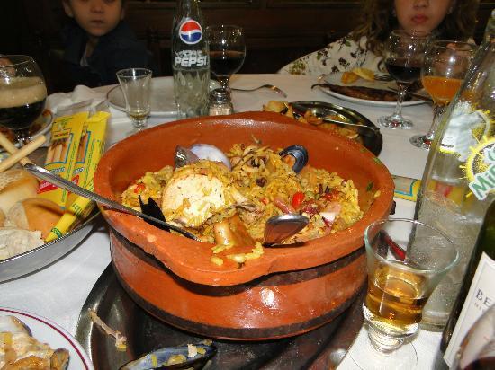Plaza asturias buenos aires montserrat restaurant for Asturias cuisine