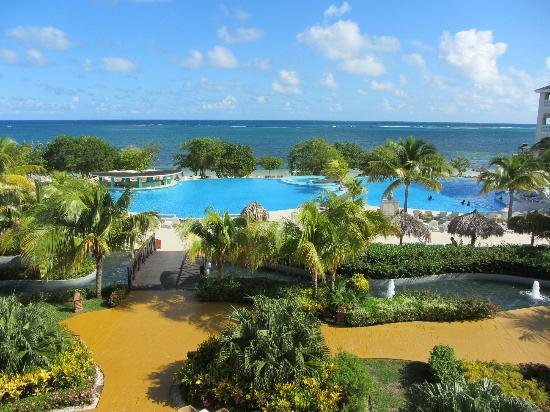Iberostar Rose Hall Beach Hotel: View of pool and grounds