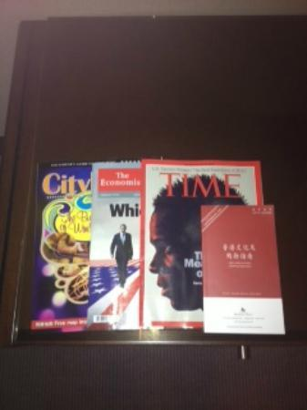 Prince (Marco Polo Hotels): free selection of magazines in the room